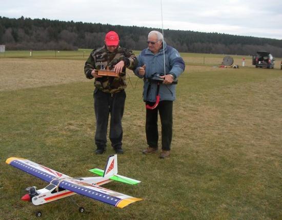Le réglage de l'avion d'un jeune pilote
